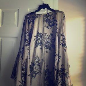 NWOT Easel Floral Flowy Kimono Top L Tan w/ Black
